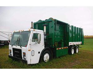 Mack LE633 Garbage Truck
