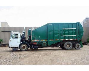 Volvo WXLL64 Garbage Truck