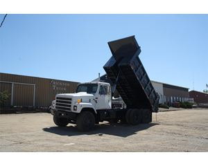International 1854 Heavy Duty Dump Truck