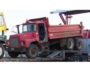 Mack DM237 Heavy Duty Dump Truck