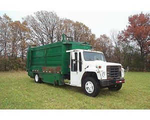 International S1700 Recycling Truck