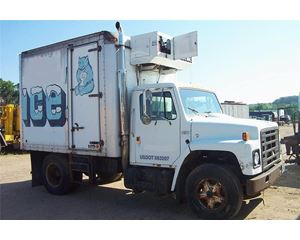 International 1600 Refrigerated Truck