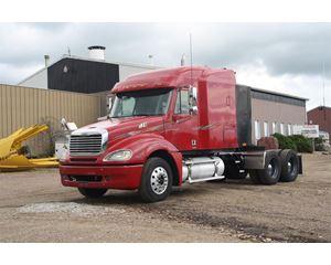 Freightliner CL120 Sleeper Truck