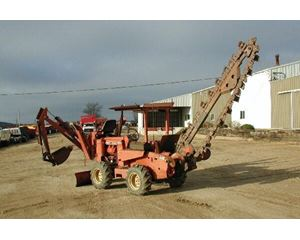Ditch Witch R65 Trencher / Boring Machine / Cable Plow