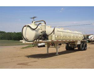 ROUGH VAC Vacuum Tank Trailer