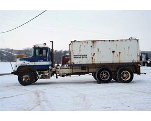 Mack DM685S Water Tank Truck