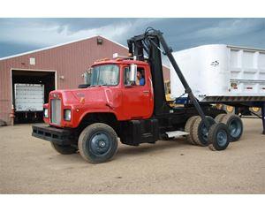 Mack R686ST Yard Spotter Truck