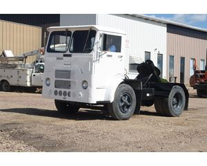 White 6064T-06 Yard Spotter Truck