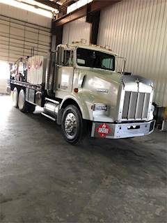 1990 Kenworth T800 Tandem Axle Fuel & Lube Truck, Caterpillar 3406E, Manual