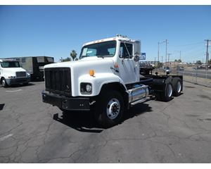 International 2674 Heavy Duty Cab & Chassis Truck