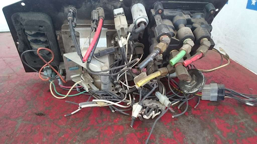 1996 Used Switch Dash Panel With Parking Brake Assembly, Ac/ Heater Climate  Control For Sale | Phoenix, AZ | SV-263-35 | MyLittleSalesman com