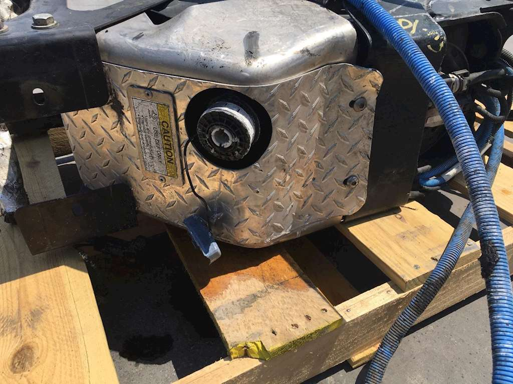 Used Def Tank For Detroit DD15 Engine Came Off 2014 Freightliner Cascadia