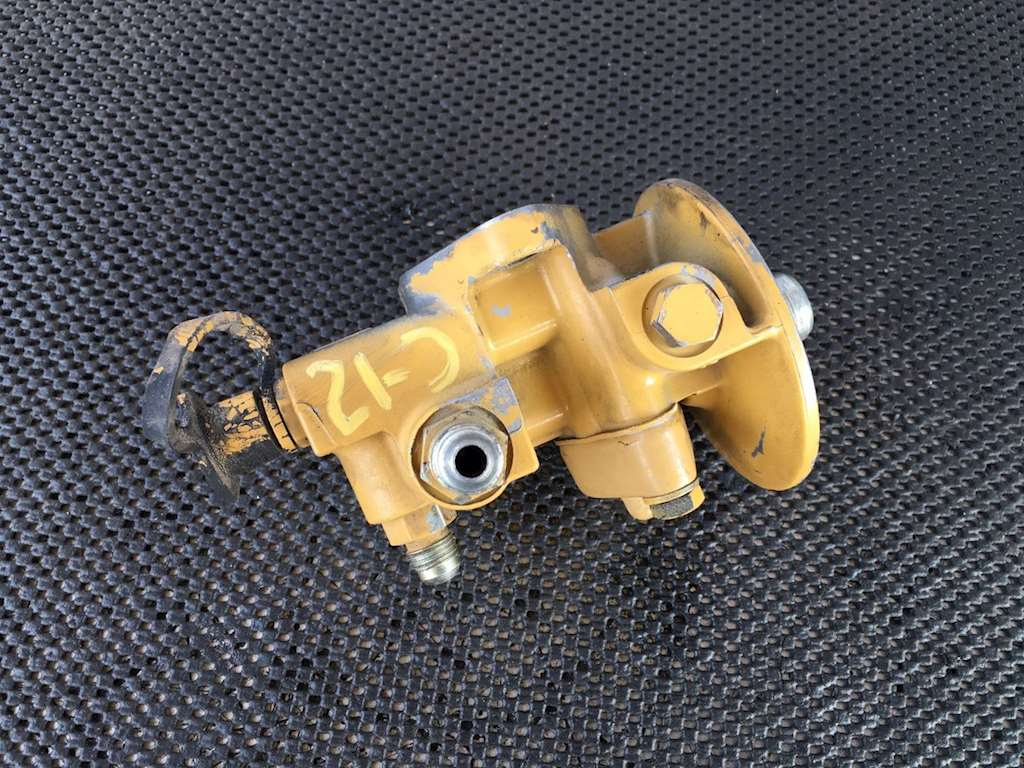 caterpillar c12 primer pump/ fuel filter housing for sale ... c 12 cat fuel filter hosing cat fuel filter