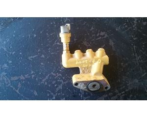 Caterpilar C7 Oil Manifold, With Oil Pressure Sensor Intact For Sale