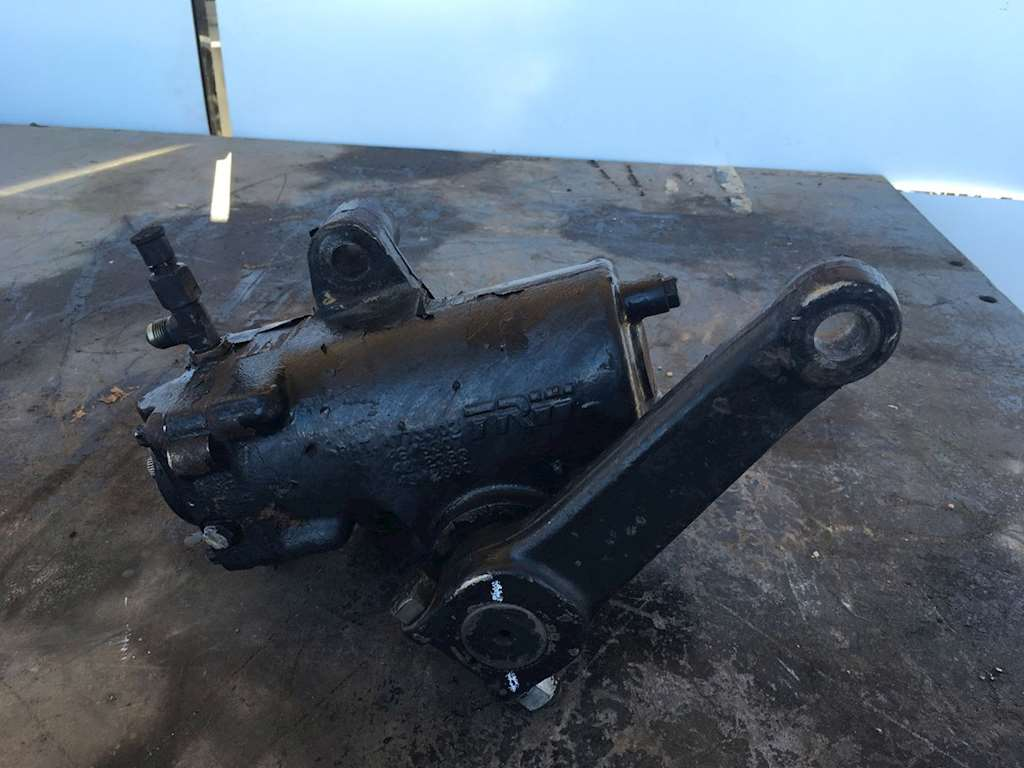 Freightliner Steering Parts : Used trw steering gear box for freightliner classic