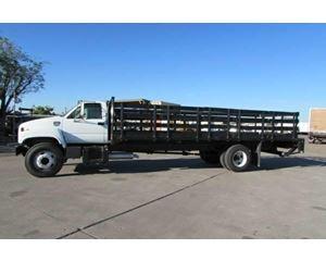GMC TOPKICK C6500 Flatbed Truck