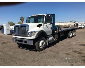 International 7600 Flatbed Truck