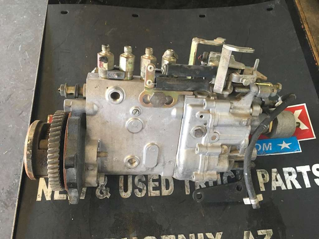 Used Fuel Gear Pump For An Isuzu 4HE1 Engine For Sale | Phoenix, AZ | 34734  | MyLittleSalesman com