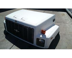 GM/Chev (HD) C8500 Hood