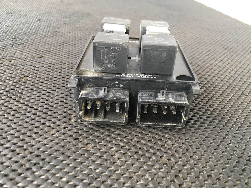 Used Bussmann Abs Distribution Module For 2008 Freightliner Fld120 Fld 120 Fuse Box Location Classic