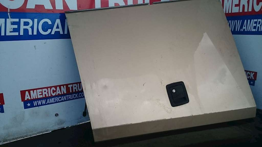 c3d0d271384 Used Storage Compartment Door For 2005 Burnt RV For Sale ...