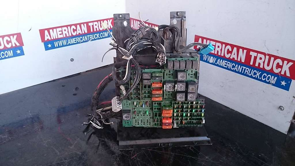 Used Fuse Box Panel For 2000 Volvo Vnl For Sale