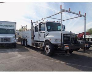 Freightliner BUSINESS CLASS M2 112 Truck