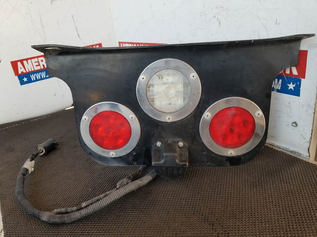 Used Rear Tail Light Assembly For Freightliner For Sale | Phoenix ...