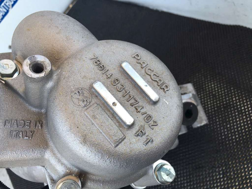 Used Water Pump Assembly With Coolant Filter And Thermostat Housing For  Paccar
