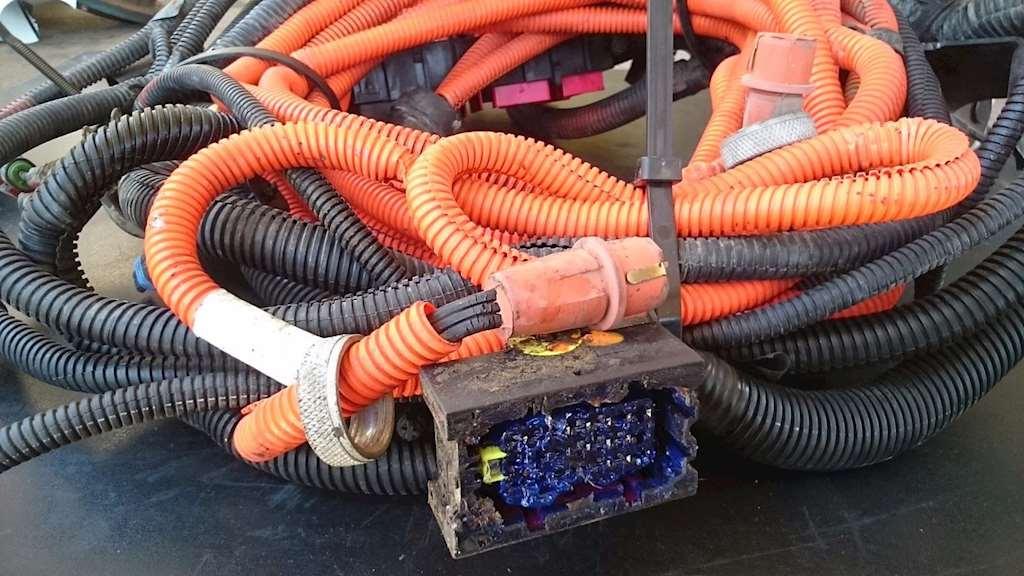 Wiring Harnesses Detroit DD13 8307075 wiring harness for a detroit dd13 engine for sale phoenix, az