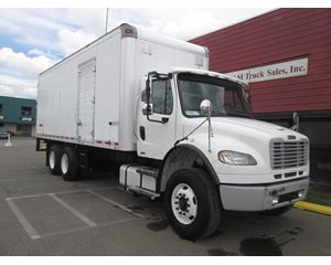 Freightliner BUSINESS CLASS M2 106 Box Truck / Dry Van