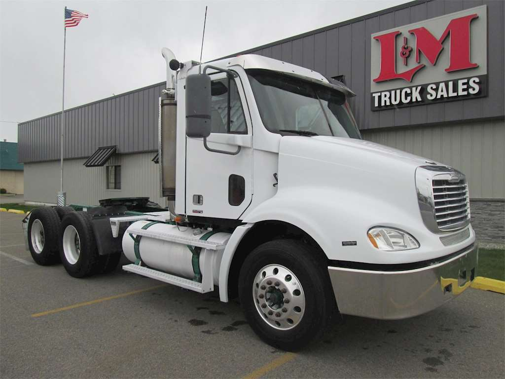 2007 freightliner columbia 112 heavy duty cab chassis truck for sale spokane wa 5404. Black Bedroom Furniture Sets. Home Design Ideas