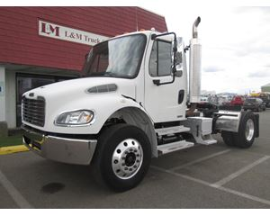 Freightliner BUSINESS CLASS M2 100 Day Cab Truck