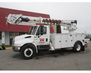 International 4300 Digger Derrick Truck
