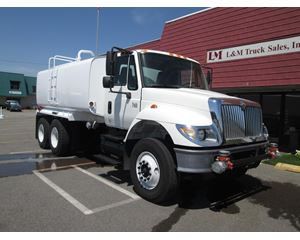 International 7400 Water Tank Truck