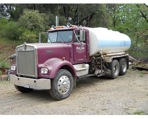 Kenworth 3700 gal Water Truck