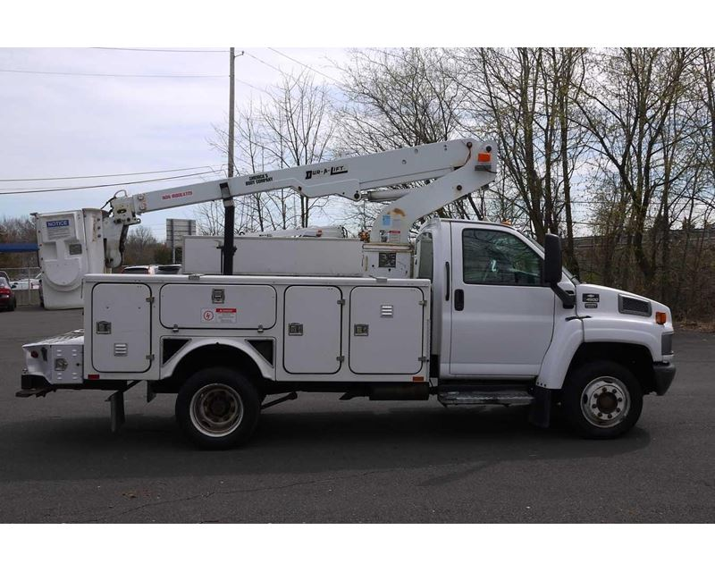 2005 chevrolet kodiak c4500 bucket boom truck for sale. Black Bedroom Furniture Sets. Home Design Ideas