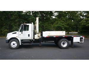 International 4300 Bucket / Boom Truck