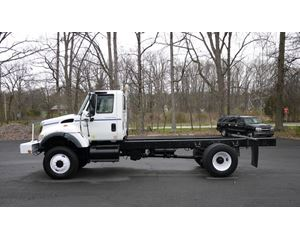 International 7300 Heavy Duty Cab & Chassis Truck