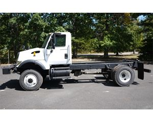International 7400 Heavy Duty Cab & Chassis Truck