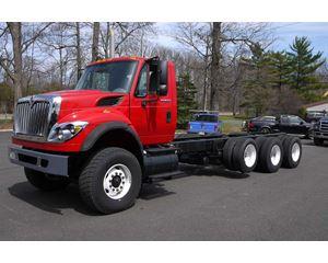 International WORKSTAR 7600 SBA Heavy Duty Cab & Chassis Truck