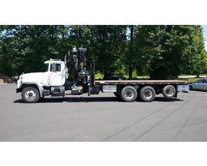 Mack RD688S Crane Truck