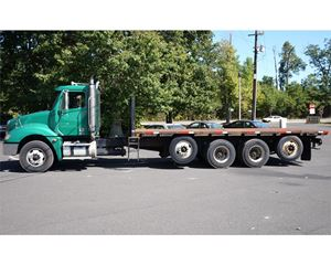 Freightliner COLUMBIA 120 Flatbed Truck
