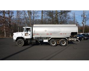 Ford LTS9000 Fuel / Lube Truck