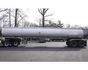 Fruehauf ALUMINUM TANK TRAILER Gasoline / Fuel Tank Trailer