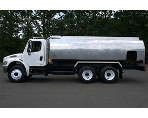 Freightliner BUSINESS CLASS M2 106 Gasoline / Fuel Truck