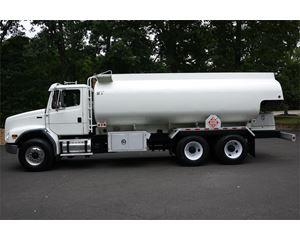 Freightliner FL112 Gasoline / Fuel Truck