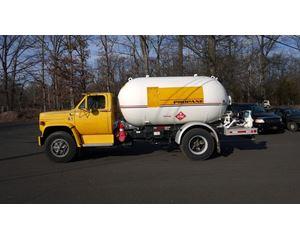 GMC 7000 Gasoline / Fuel Truck