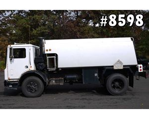 Mack MR690P Gasoline / Fuel Truck