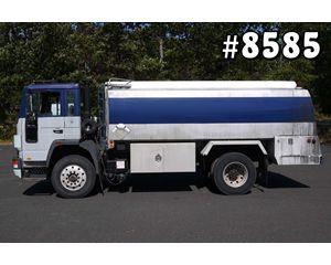Volvo FL6 Gasoline / Fuel Truck